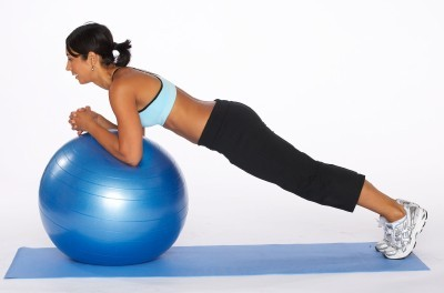 plank-exercises-on-ball